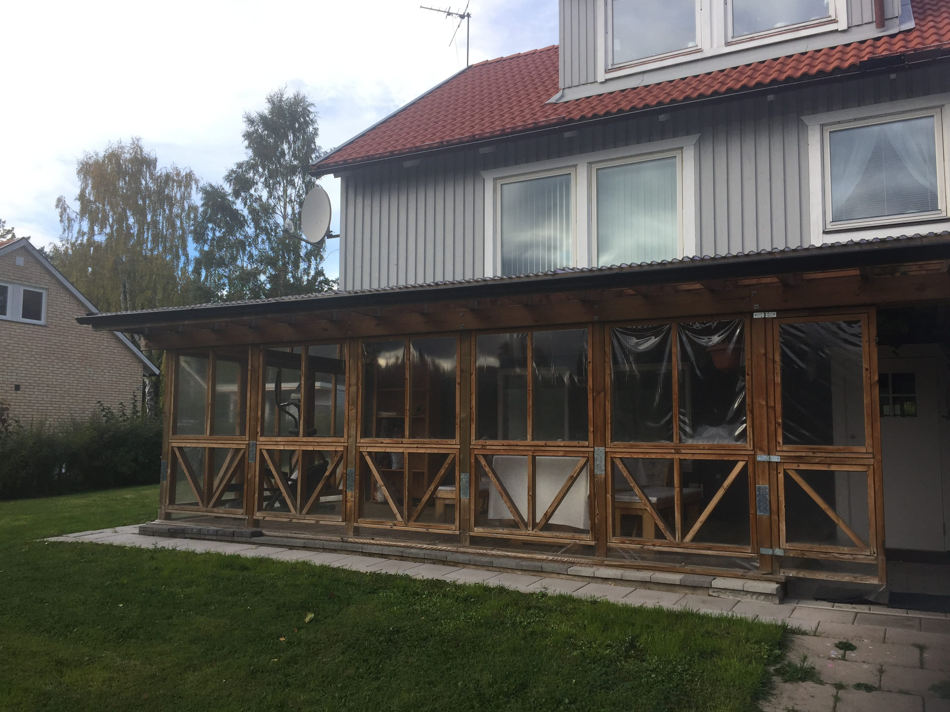 Välskött & möblerad 3-rums läg. i villa